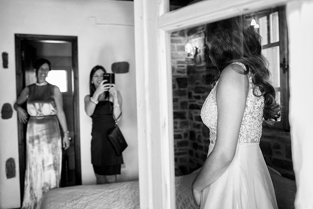 Bride Preparation - Arokaria Paros