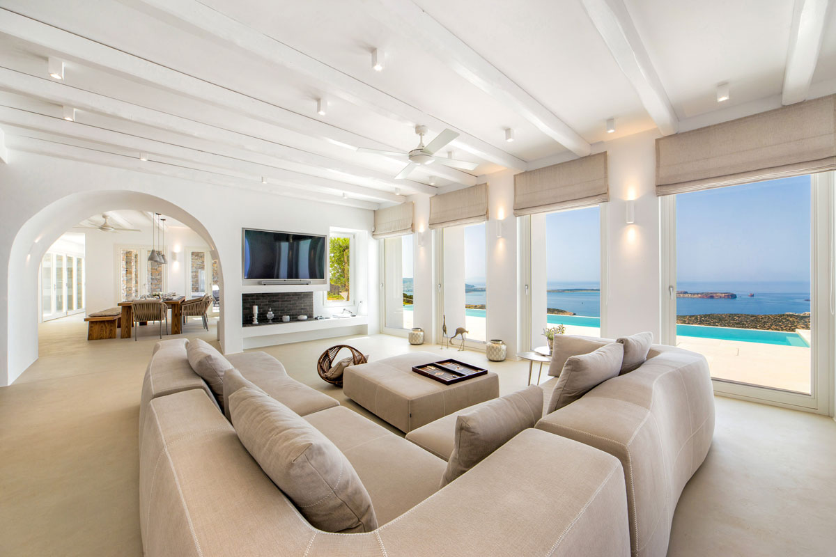Spacious Villa in Paros