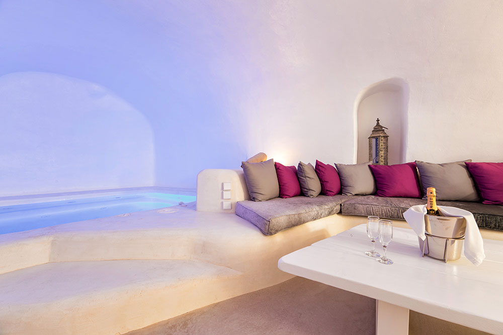 Hidden Little Villa in Santorini